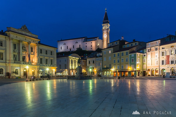 Tartini Square in Piran during blue hour