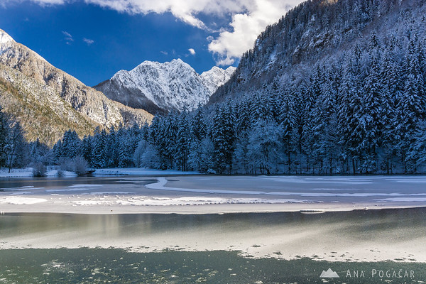 Planšar Lake (Planšarsko jezero) at Jezersko in winter