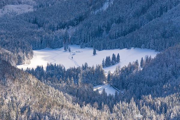 Jezersko from Rakeževa planina in winter
