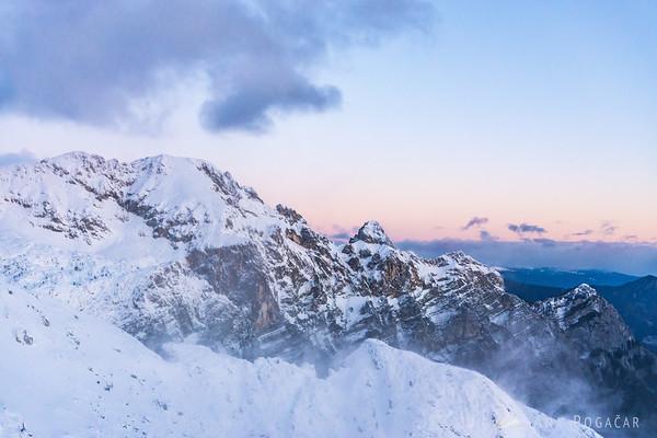 Winter ascent to Mt. Viševnik - Mt. Luknja Peč.