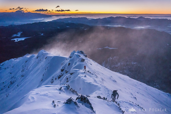 Winter ascent to Mt. Viševnik - waiting for the sunrise and enduring the wind.