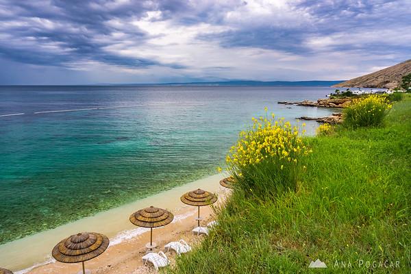 Beach at Škrila campground