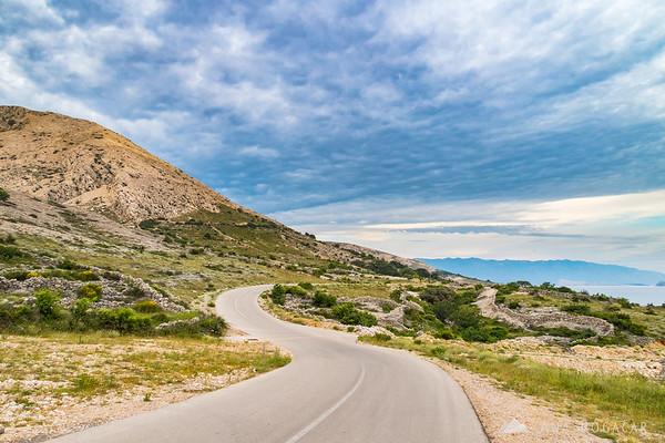 Road beyond Stara Baška