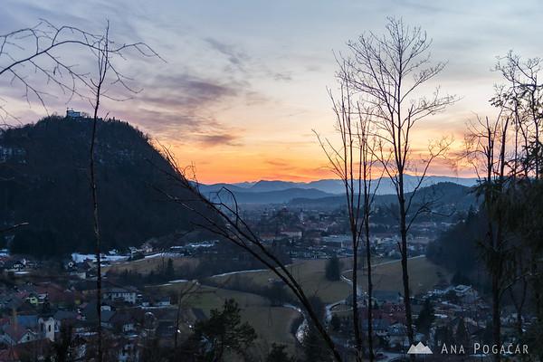 Views of Nevlje, Kamnik and Stari grad from Kužna hill