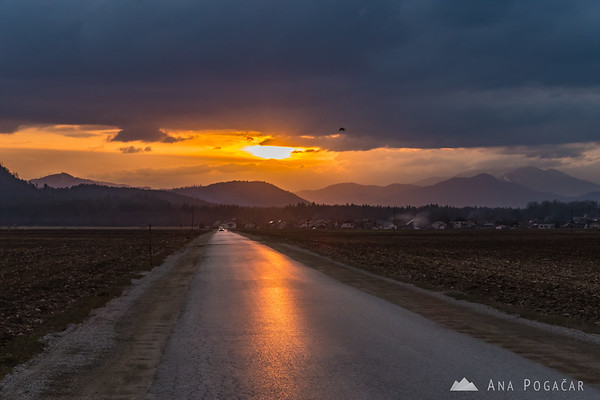 Sunset from the fields between Kamnik and Mengeš