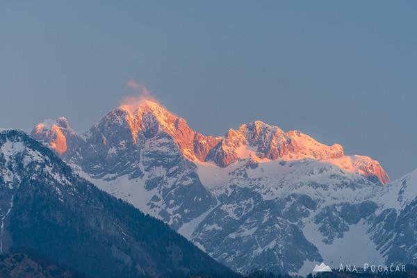 Mt. Skuta in first sun rays