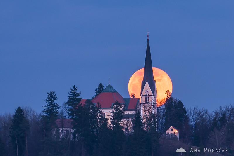Sunset and full moon rising above Homec - Mar 12, 2017