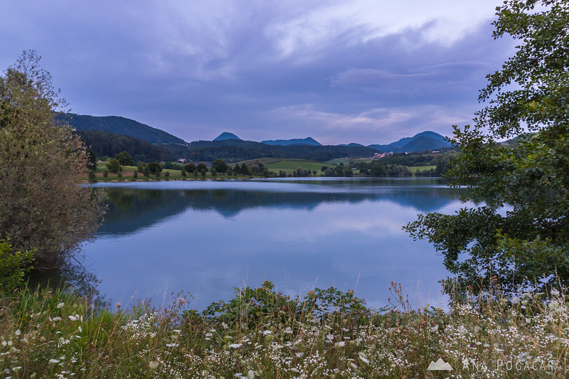 Škale Lake at dusk