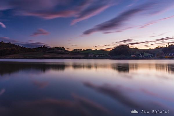 Lake Pernica before the sunrise
