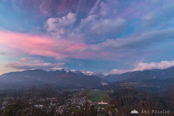 Pink clouds above the Kamnik Alps