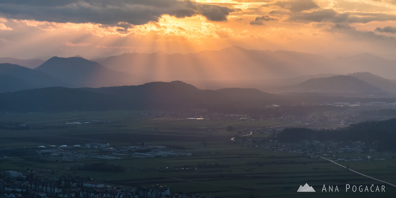 Late afternoon sun rays as seen from Špica