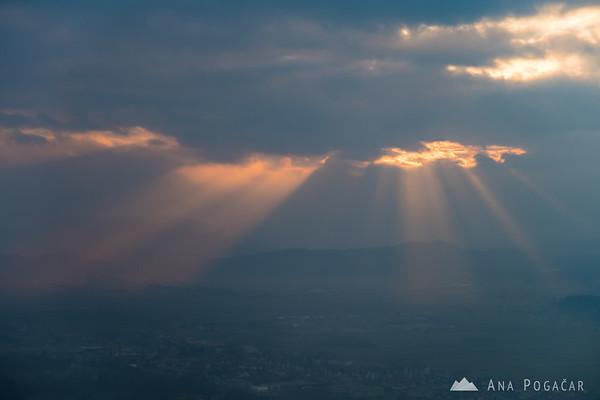 Sun rays from Špica