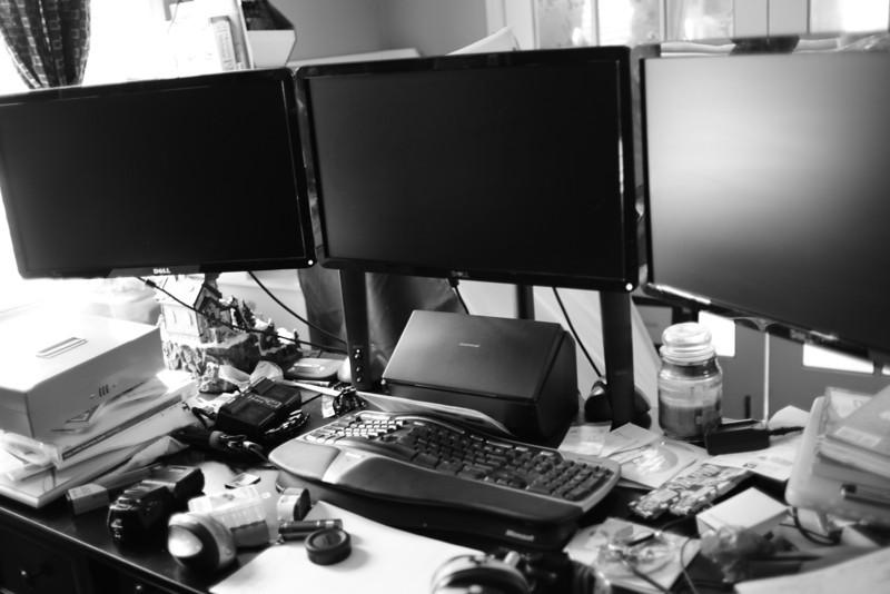 Desk Mess.......GRRRRR