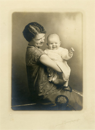 Scanned photo of Jean Kalter with her mother, Vera Stephenson, around 1925.