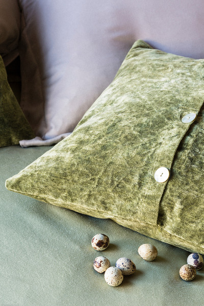 Madera Queen Duvet Cover in Bottle Green, Madera Euro Sham in Flax, Hendrix Throw Pillows in Bottle Green