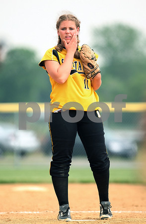 Beck Diefenbach  -  bdiefenbach@daily-chronicle.com<br /> <br /> Sycamore pitcher Rhianna Fleetwood waits for the next Dixon batter to come to the plate during the top of the fifth inning  of the game at Rochelle High School in Rochelle, Ill., on Tuesday May 26, 2009.
