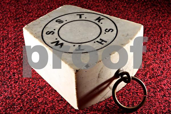 Rob Winner – rwinner@daily-chronicle.com<br /> A replica of the King Solomon Temple keystone.<br /> 09/22/2009