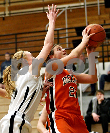 Rob Winner – rwinner@daily-chronicle.com<br /> Rob Winner – rwinner@kcchronicle.com<br /> DeKalb's Kelli Gerace looks to take a shot during the first quarter.<br /> 12/04/2009