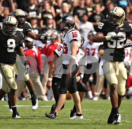 Beck Diefenbach – bdiefenbach@daily-chronicle.com<br /> Northern Illinois kicker Mike Salerno (16) reacts after missing a field goal attempts during the fourth quarter of the game against Purdue University in West Lafayette, Ind., on Saturday Sept. 19, 2009. NIU defeated Purdue 28 to 21.