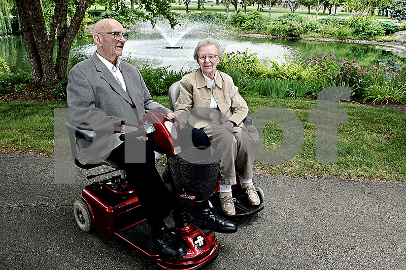 Rob Winner – rwinner@daily-chronicle.com<br /> Dean Lyman, 95, and his wife Marge, 94, who are residents at Oak Crest in DeKalb have benn married for 72 years.<br /> 07/30/2009