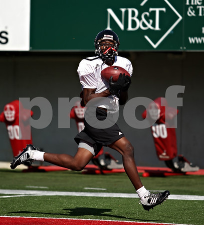 Beck Diefenbach  -  bdiefenbach@daily-chronicle.com<br /> <br /> Wide receiver Martel Moore (1) during practice at Huskie Stadium of Northern Illinois University in DeKalb, Ill., on Tuesday Sept. 1, 2009.