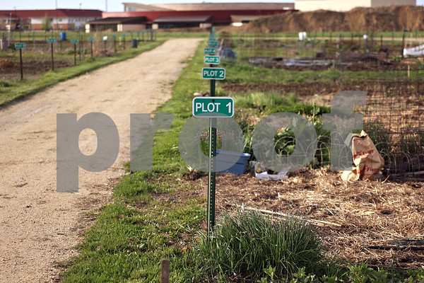Beck Diefenbach  -  bdiefenbach@daily-chronicle.com<br /> <br /> Community gardening plots are divided in grids in DeKalb, Ill., on Tuesday May 12, 2009.