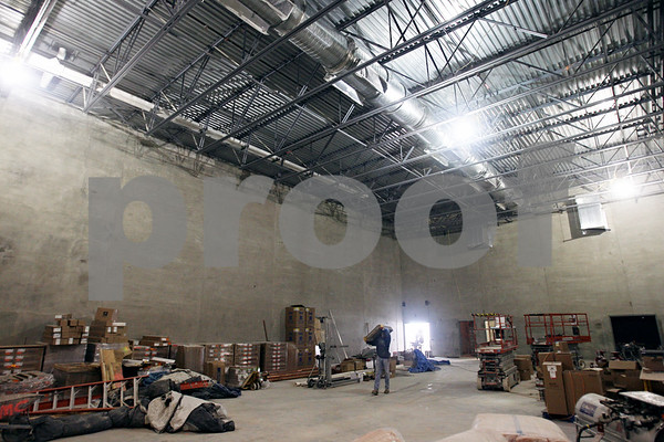 Beck Diefenbach  -  bdiefenbach@daily-chronicle.com<br /> <br /> The gymnasium of the new Sycamore Elementary School which is under construction in Sycamore, Ill., on Friday Jan. 23, 2009.