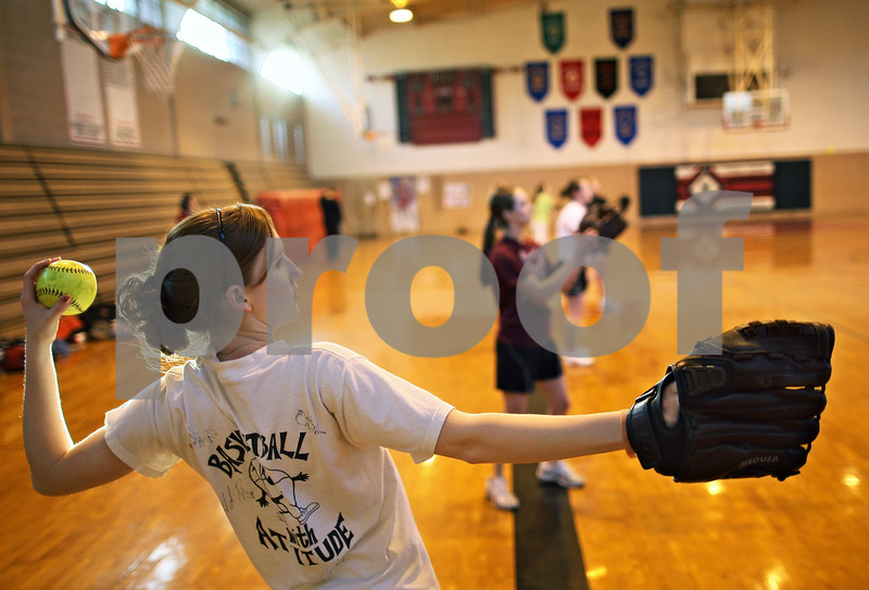 Beck Diefenbach – bdiefenbach@daily-chronicle.com<br /> <br /> Indian Creek junior Jennifer Westbrook winds up during practice at the Indian Creek Middle School gymnasium in Waterman, Ill., on Wednesday March 11, 2009.