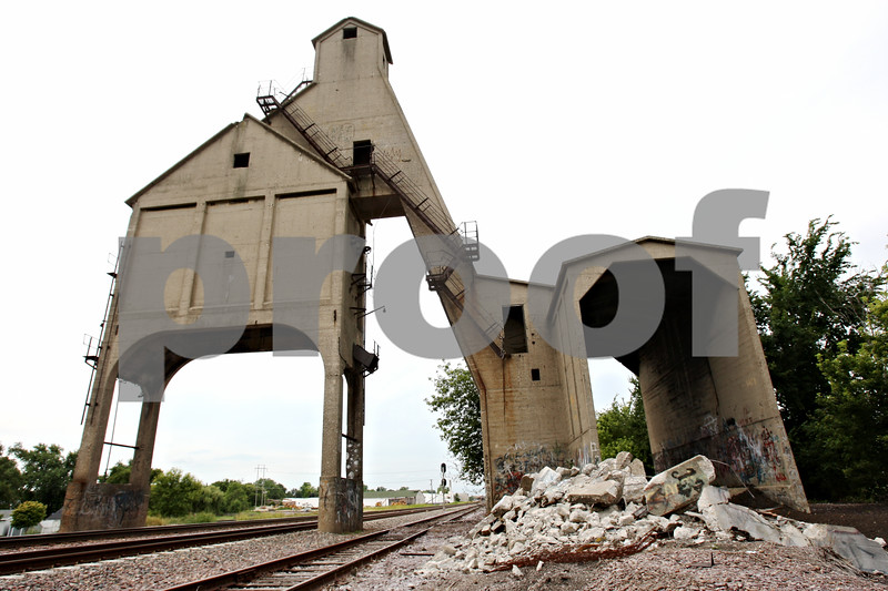 Rob Winner – rwinner@daily-chronicle.com<br /> Union Pacific destroyed a structure by a coal tower along the train tracks near Rotary Park on Tuesday afternoon.<br /> 07/28/2009