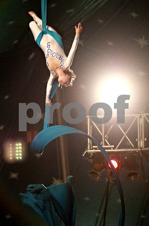Beck Diefenbach - bdiefenbach@daily-chronicle.com<br /> <br /> Aerial silk performer Anna Cavallini during the Carson and Barnes Circus at the Sycamore Speedway in Sycamore, Ill., on Monday August 9, 2010.