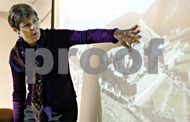 Rob Winner – rwinner@daily-chronicle.com<br /> <br /> Northern Illinois University professor Winifred Creamer uses a projected image of Machu Picchu during a lecture to her anthropology class at NIU in DeKalb, Ill. on Thursday April 8, 2010. Creamer is leading a workshop for female NIU students to help push for equal rights for women in the workplace.