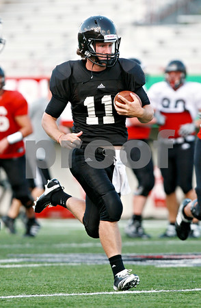 Beck Diefenbach  -  bdiefenbach@daily-chronicle.com<br /> <br /> Northern Illinois University's A.J. Hill during practice at Huskie Stadium in DeKalb, Ill., on Wednesday Aug. 25, 2010.