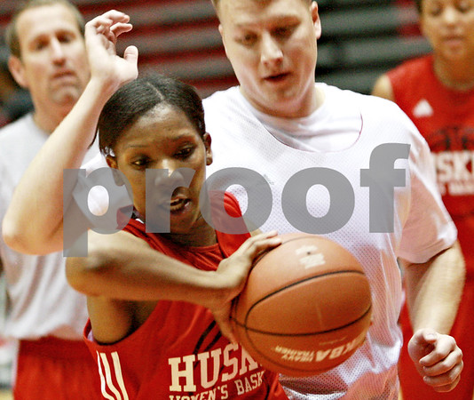 Beck Diefenbach – bdiefenbach@daily-chronicle.com<br /> <br /> Northern Illinois' Shaakira Haywood during the team's first practice of the season at NIU's Convocation Center in DeKalb, Ill., on Monday Oct. 4, 2010.