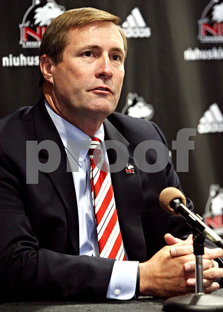 Rob Winner – rwinner@daily-chronicle.com<br /> <br /> Northern Illinois University director of athletics Jeff Compher fields questions about head football coach Jerry Kill during a press conference on Tuesday September 14, 2010 in DeKalb, Ill.