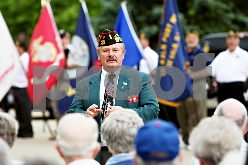 """Rob Winner – rwinner@daily-chronicle.com<br /> <br /> Jules D. """"Butch"""" Spindler, the Illinois VFW State Commander, addresses residents at Oak Crest during a Memorial Day ceremony on Monday May 31, 2010 in DeKalb, Ill."""