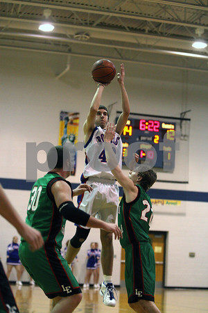 Rob Winner – rwinner@daily-chronicle.com<br /> Hinckley-Big Rock's Travis Chase takes a shot during the second quarter of their game against Leland-Earlville in Somonauk, Ill.  on Thursday February 4, 2010.
