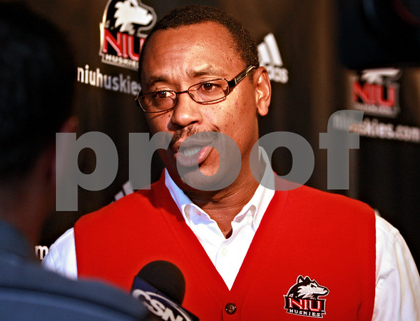 Kyle Bursaw - kbursaw@daily-chronicle.com<br /> <br /> NIU Basketball coach Ricardo Patton speaks with members of the media during the Huskie's basketball media day at O'Leary's Restaurant and Pub in DeKalb on Nov. 3, 2010.