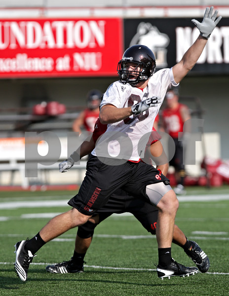 Beck Diefenbach - bdiefenbach@daily-chronicle.com<br /> <br /> Northern Illinois tight end Luke Eakes during the first practice at Huskie Stadium in DeKalb, Ill., on Thursday Aug. 5, 2010.