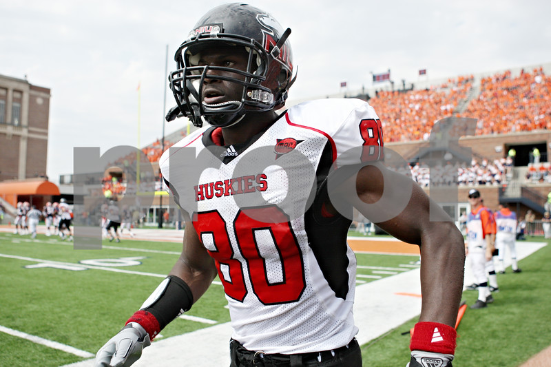 Rob Winner – rwinner@daily-chronicle.com<br /> <br /> Northern Illinois receiver Landon Cox runs down the sidelines after his touchdown reception in the fourth quarter of their game in Champaign, Ill.  on Saturday September 18, 2010.