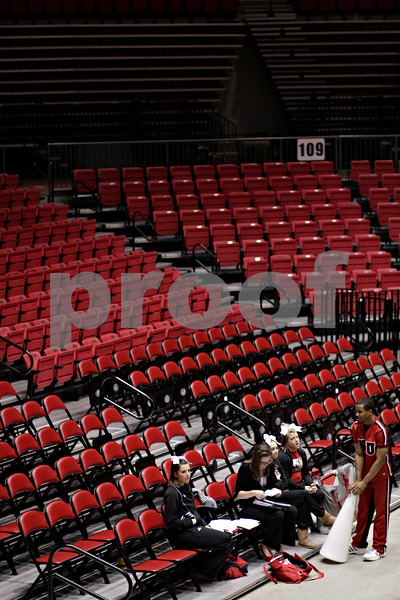 Beck Diefenbach  -  bdiefenbach@daily-chronicle.com<br /> <br /> Northern Illinois cheerleaders fill the stands during the second half of the game at the NIU Convocation Center in DeKalb, Ill., on Wednesday Jan. 20, 2010