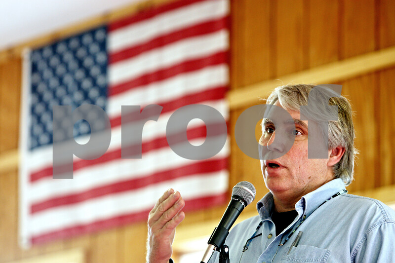 Rob Winner – rwinner@daily-chronicle.com<br /> <br /> Dan Kenney speaks during a town hall meeting about the proposed landfill expansion in DeKalb county at the Cortland Lions Club in Cortland, Ill. on Saturday October 2, 2010.