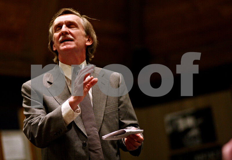 """Beck Diefenbach  -  bdiefenbach@daily-chronicle.com<br /> <br /> Juror number 9, played by Jeff Little explains why he switched his vote to """"not guilty"""" during a rehearsal for the play 12 Angry Men at Westminster Presbyterian Church in DeKalb on Thursday May 20, 2010."""