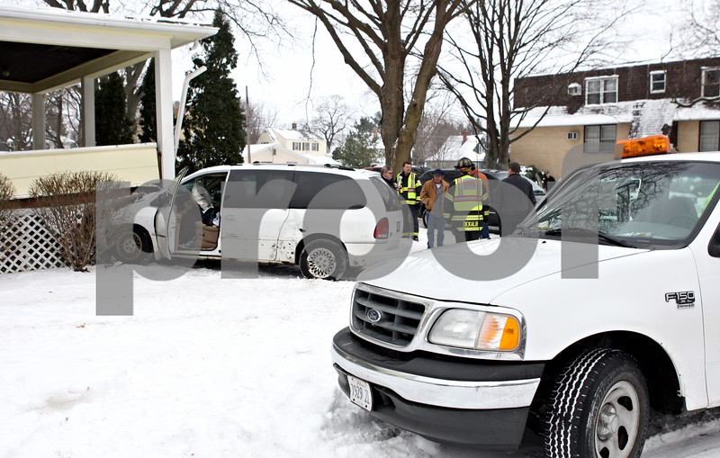 Rob Winner – rwinner@daily-chronicle.com<br /> <br /> A two vehicle accident near the intersection of Fourth and Garden streets ended with one of the vehicles striking a house on the 400 block of south Fourth Street.