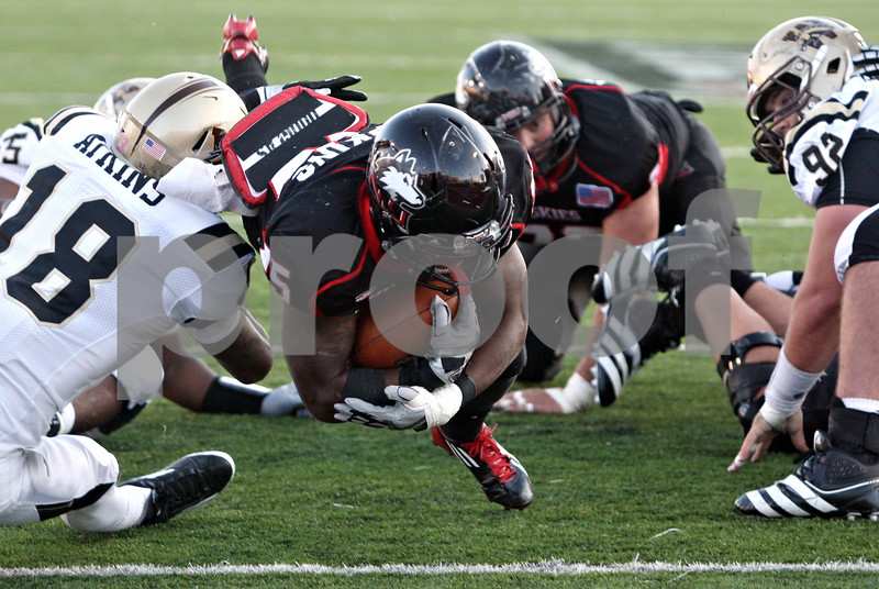 Rob Winner – rwinner@shawmedia.com<br /> <br /> Northern Illinois running back Jasmin Hopkins (25) dives into the end zone after a one yard run during the third quarter in DeKalb, Ill., on Saturday, Oct. 15, 2011. Northern Illinois defeated Western Michigan, 51-22.