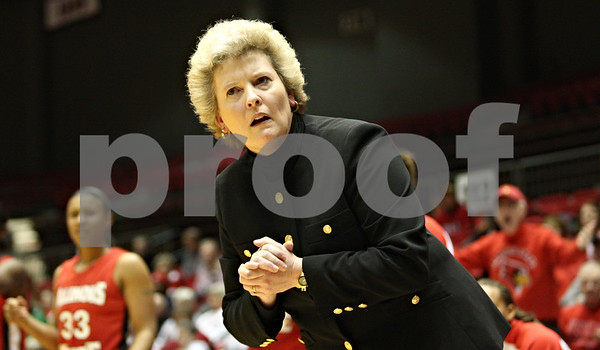 Rob Winner – rwinner@daily-chronicle.com<br /> <br /> Illinois State coach Stephanie Glance listens for an explanation from one of the referees after a foul was called on her team during the first half in DeKalb, Ill. on Monday, Jan. 3, 2011.