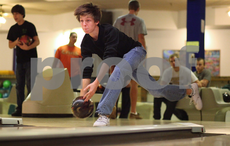 Kyle Bursaw – kbursaw@shawmedia.com<br /> <br /> Sycamore's Brendon Fank practices his bowling game on Wednesday, Nov. 9, 2011 at Four Seasons in Sycamore, Ill.
