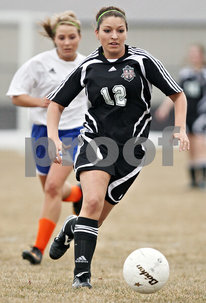 Rob Winner – rwinner@daily-chronicle.com<br /> <br /> Indian Creek's Kenzie Hackler moves the ball during the first half. G-K defeated Indian Creek, 5-1.