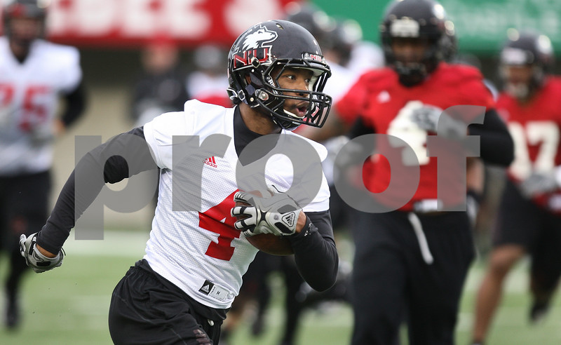 Kyle Bursaw – kbursaw@daily-chronicle.com<br /> <br /> Wide receiver Da'Ron Brown makes a run after the catch during practice at Huskie Stadium on Tuesday, March 22, 2011.