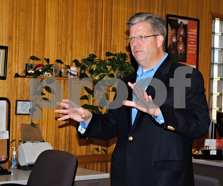 U.S. Rep. Randy Hultgren, R-Winfield, who represents Illinois' 14th Congressional District, fields questions from constituents Saturday morning at a downtown Sycamore business.<br /> <br /> By NICOLE WESKERNA - nweskerna@shawmedia.com