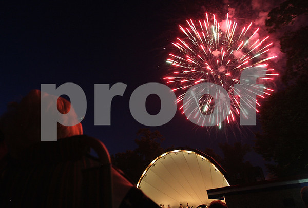 Kyle Bursaw – kbursaw@daily-chronicle.com<br /> <br /> Fireworks at Hopkins Park in DeKalb, Ill. on Monday, July 4, 2011.